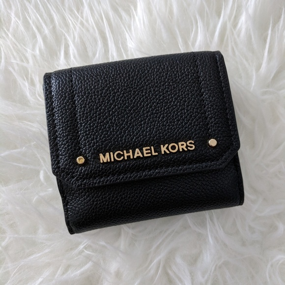 79b05a029769 Michael Kors Hayes Trifold Coin Case Leather
